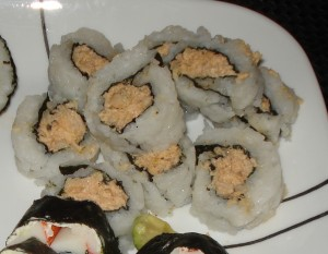 Spicy Salmon Salad Roll